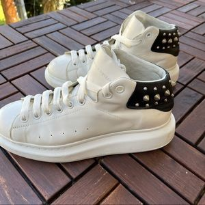 ALEXANDER MCQUEEN Larry Leather Platform Sneakers